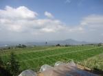 7d. pemandangan kaki gunung